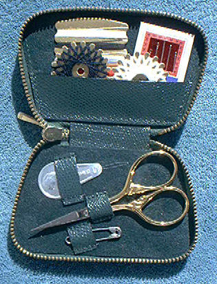 Dovo 544-041 Deluxe Blue Sewing Set